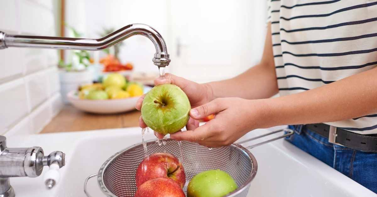 wash fruits for juicing